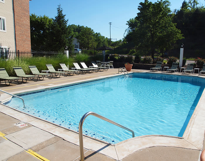 Saltwater swimming pool at Fox Chase South