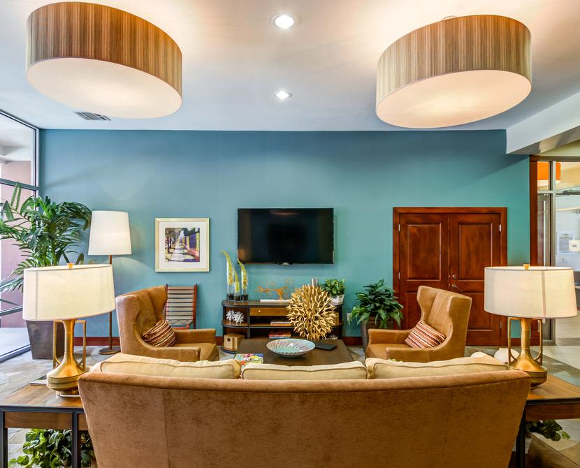 Billiards table at 4000 Hulen Urban Apartment Homes