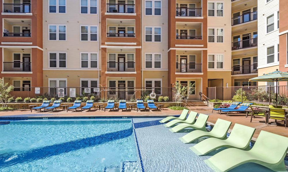 Beautiful  Swimming pool at apartments in Fort Worth, Texas
