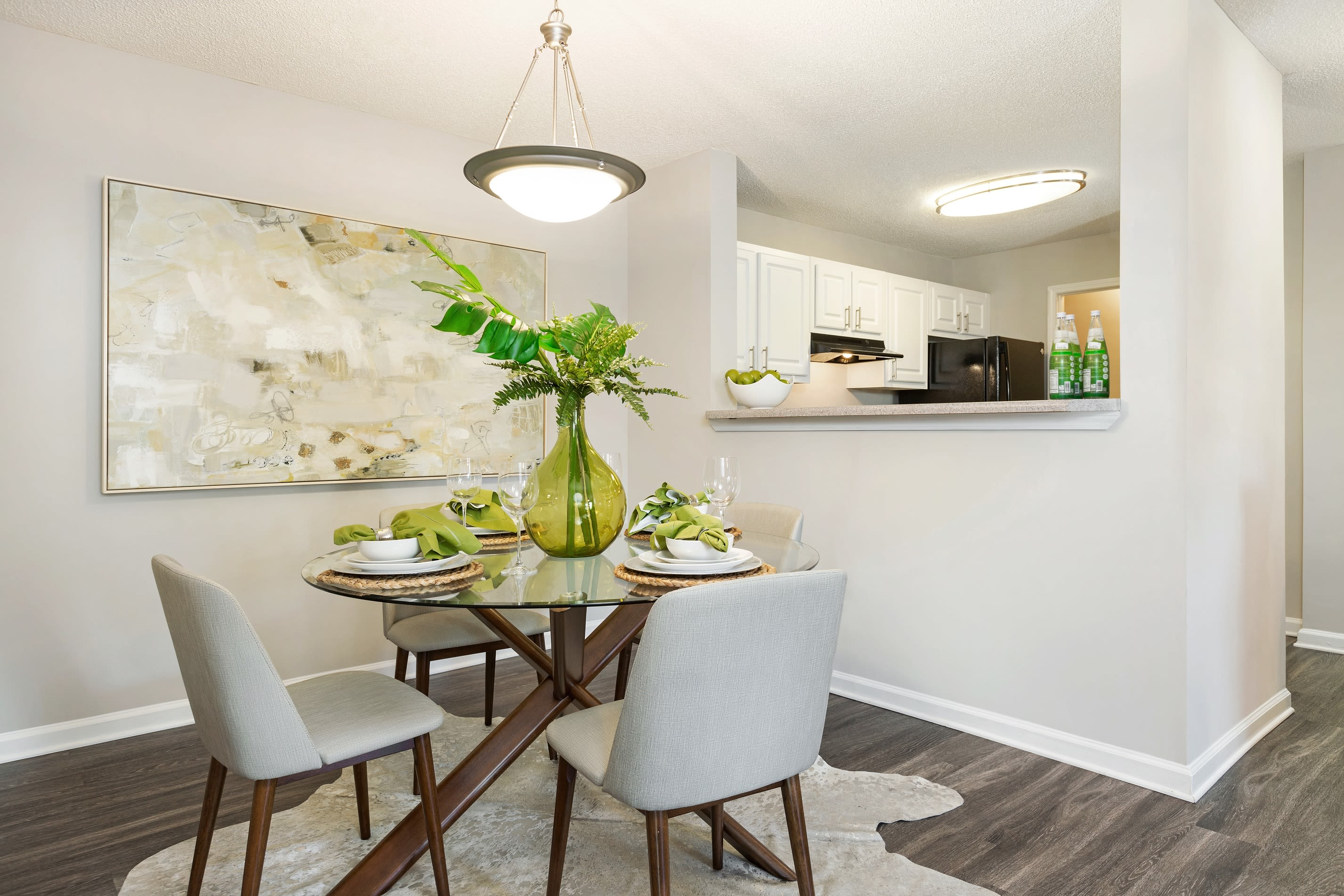 Breakfast nook at Belle Vista Apartment Homes in Lithonia, GA.