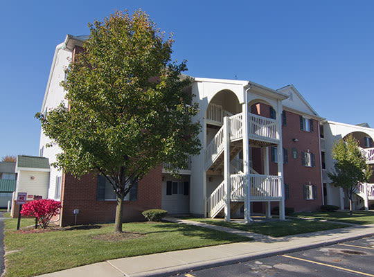 Visit the Steeplechase Apartments & Townhomes website