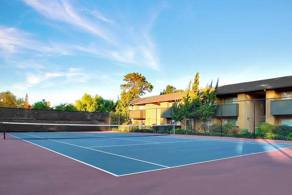Tennis court at apartments The Landmark Apartment Homes in Sunnyvale, CA