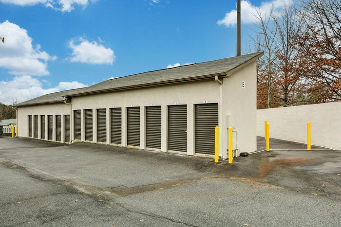 External Storage view at Space Shop Self Storage in Kennesaw