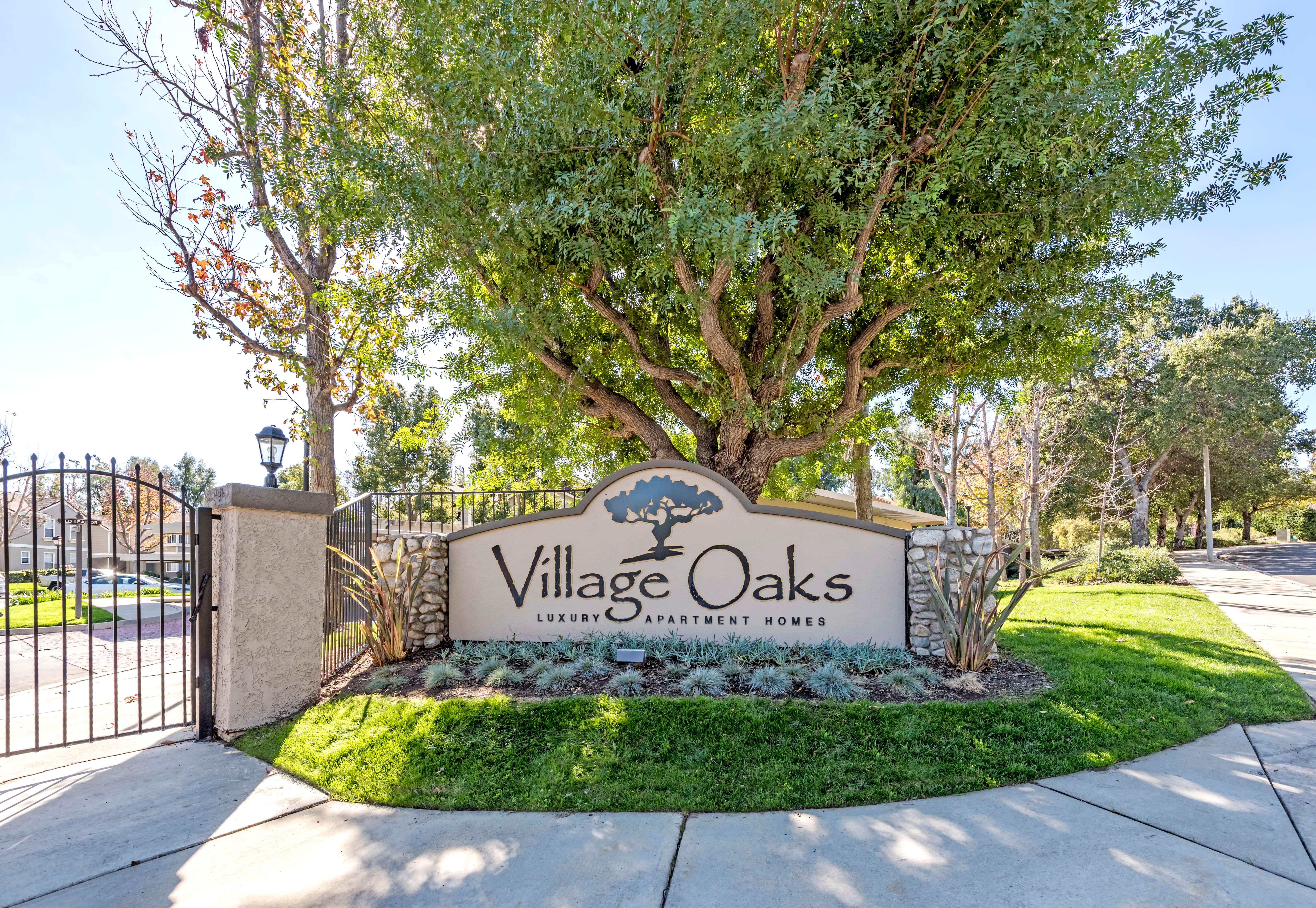 Living Room Gallery at Village Oaks