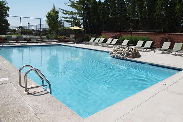 Swimming pool at Mallard Landing Apartments