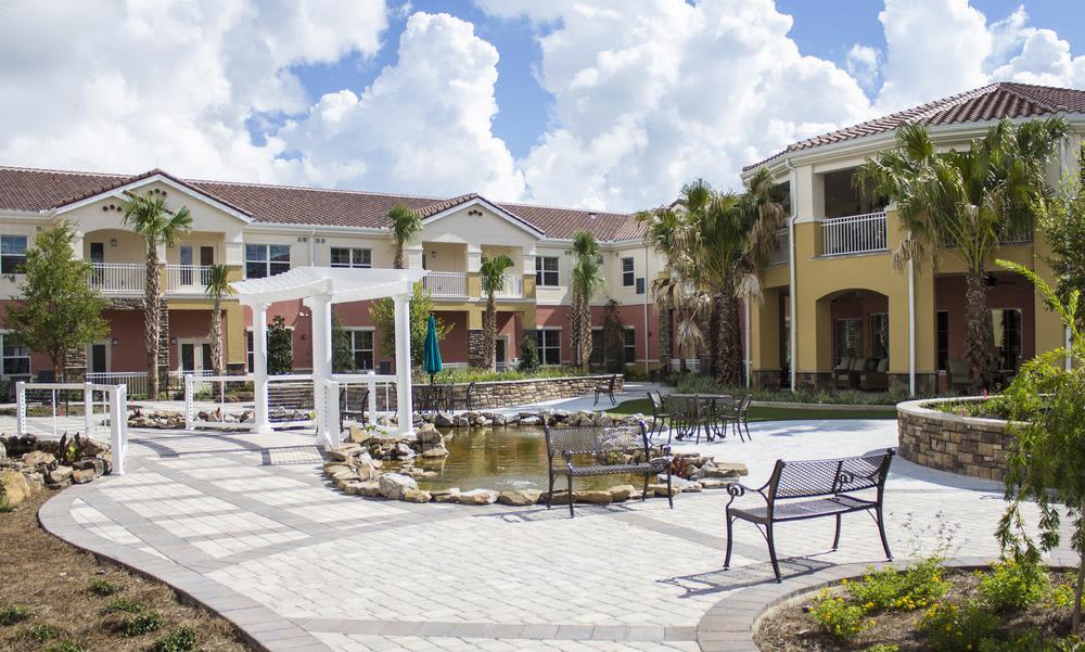 Beautiful gardens and Front view atOcala, Florida