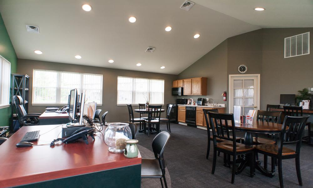 Dinning Room at Chapel Oaks Apartments in Fort Wayne, Indiana