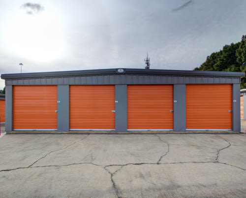 Check out our list of features offered at StorageMax Clinton Two