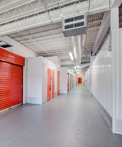 Check out our list of features offered at StorageMax Downtown