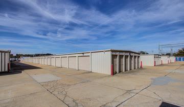 Storage units at StorageMax Tupelo East in Tupelo, Mississippi