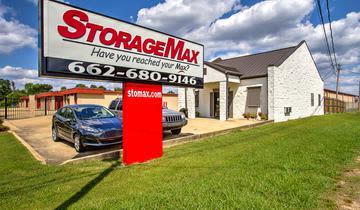 Exterior view at StorageMax Tupelo on Main