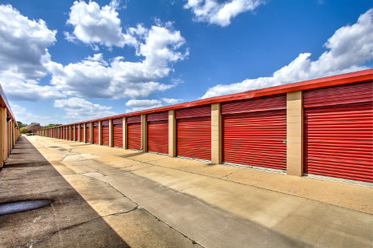 Storage units for rent in Tupelo, MS