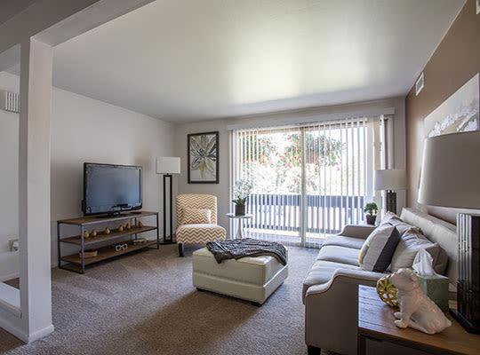 Visit Idylwood Resort Apartments' website