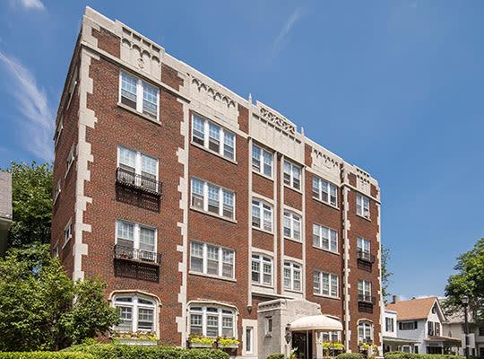 Visit Parkwin Apartments' Website