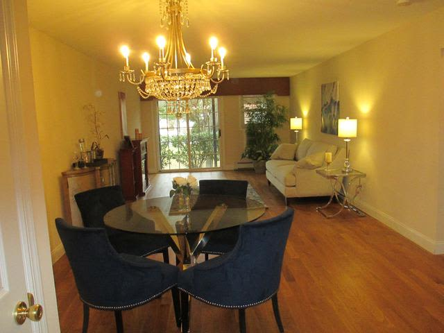 Dining room at Eagle Rock Apartments at Woodbury in Woodbury, New York