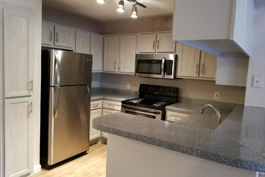 Exceptional Handsome Cabinets And Finishes Make For An Attractive Kitchen At Eagle  Crest Apartments With Handsome Cabinets.