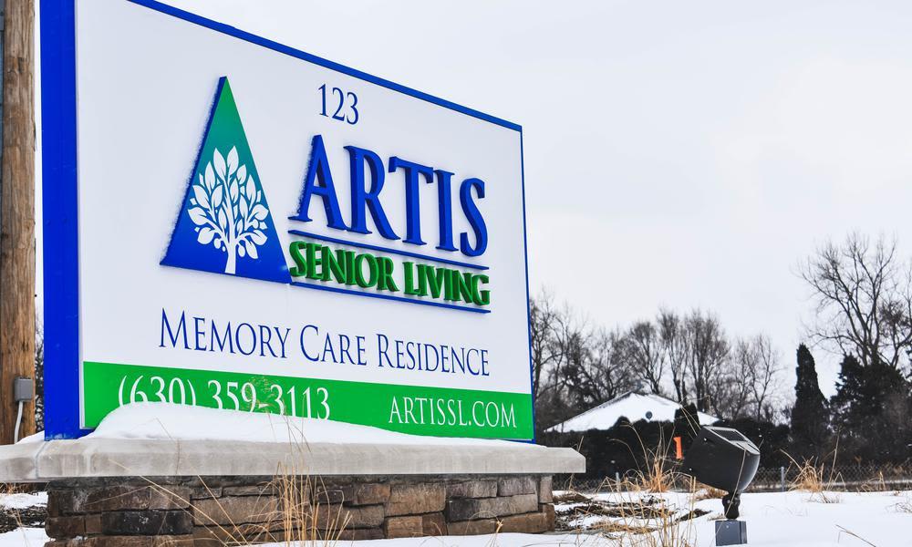 Gardens and Exterior Views at Artis Senior Living of Elmhurst in Elmhurst, IL