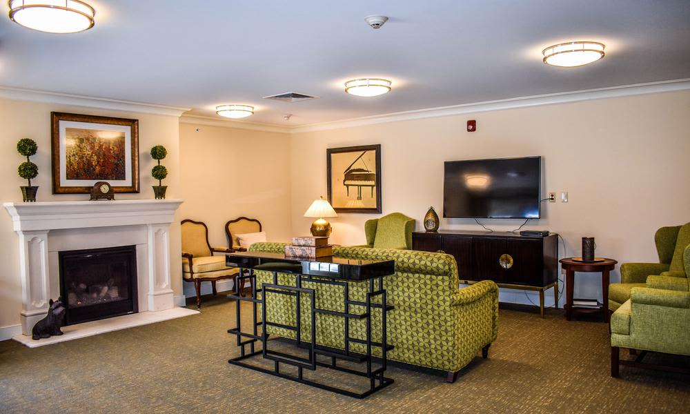 Our assisted living facility in Elmhurst, IL offer a dining area