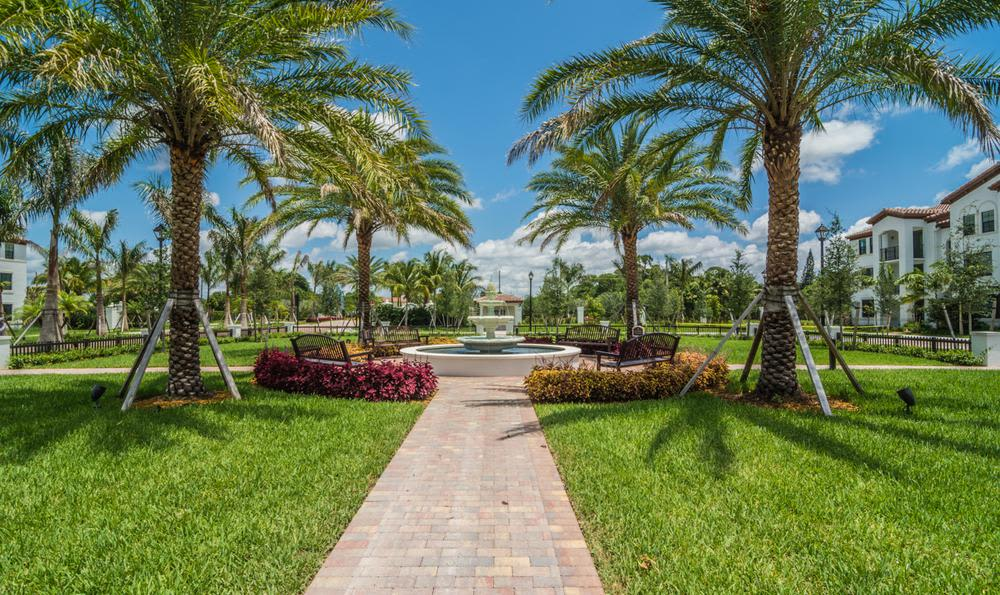 Beautiful gardens and nature in Bay Harbor Islands, FL