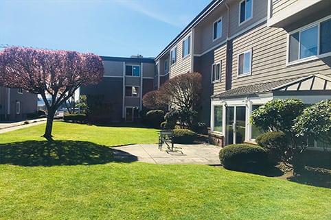 Courtyard at Sagebrook Senior Living at Bellevue