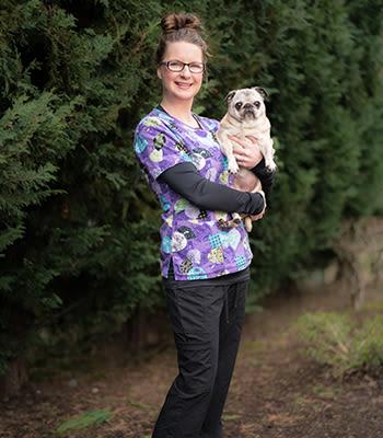 Amber Moffat at Value Pet Clinic - Kent