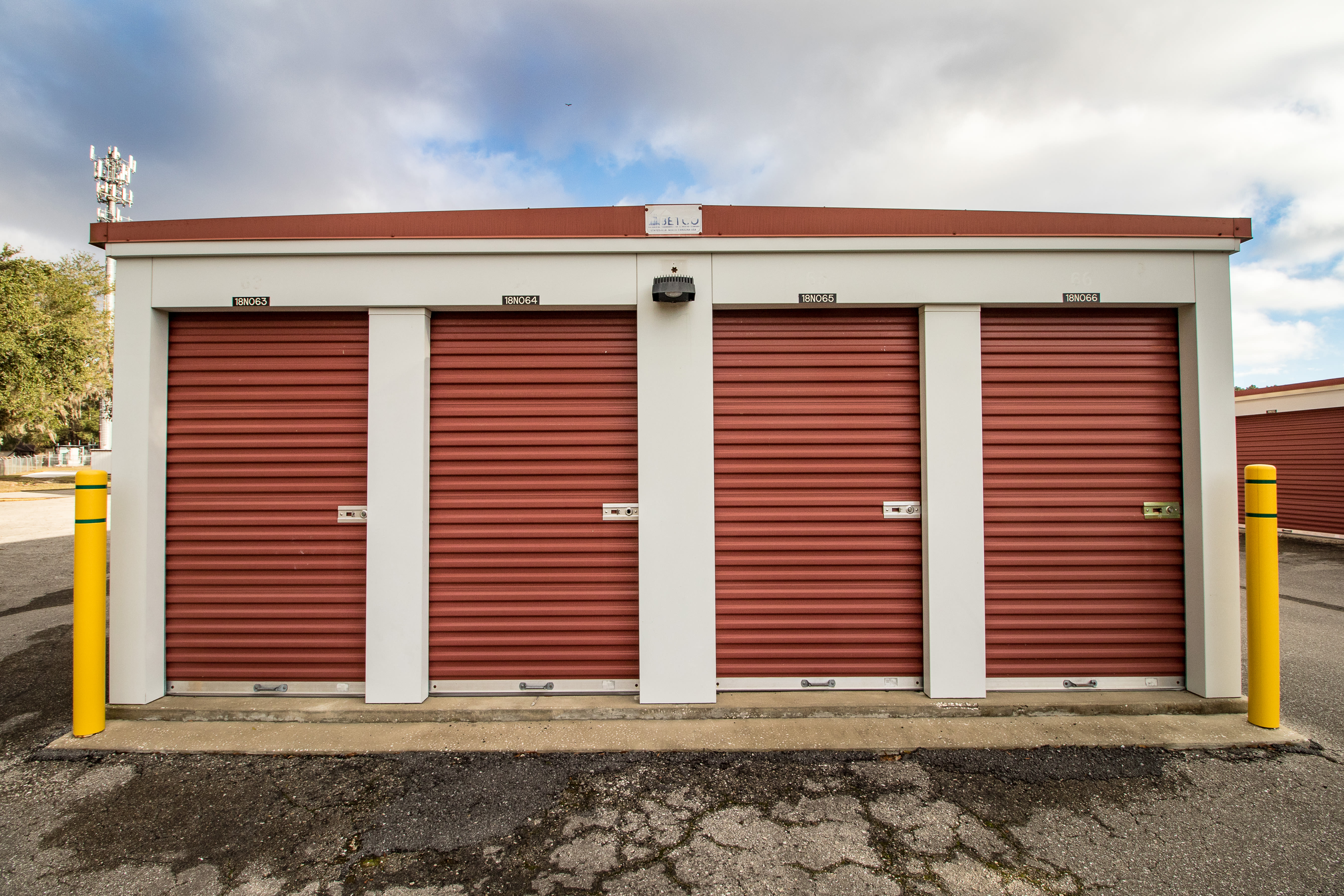 Neighborhood Storage exterior storage units in Ocala