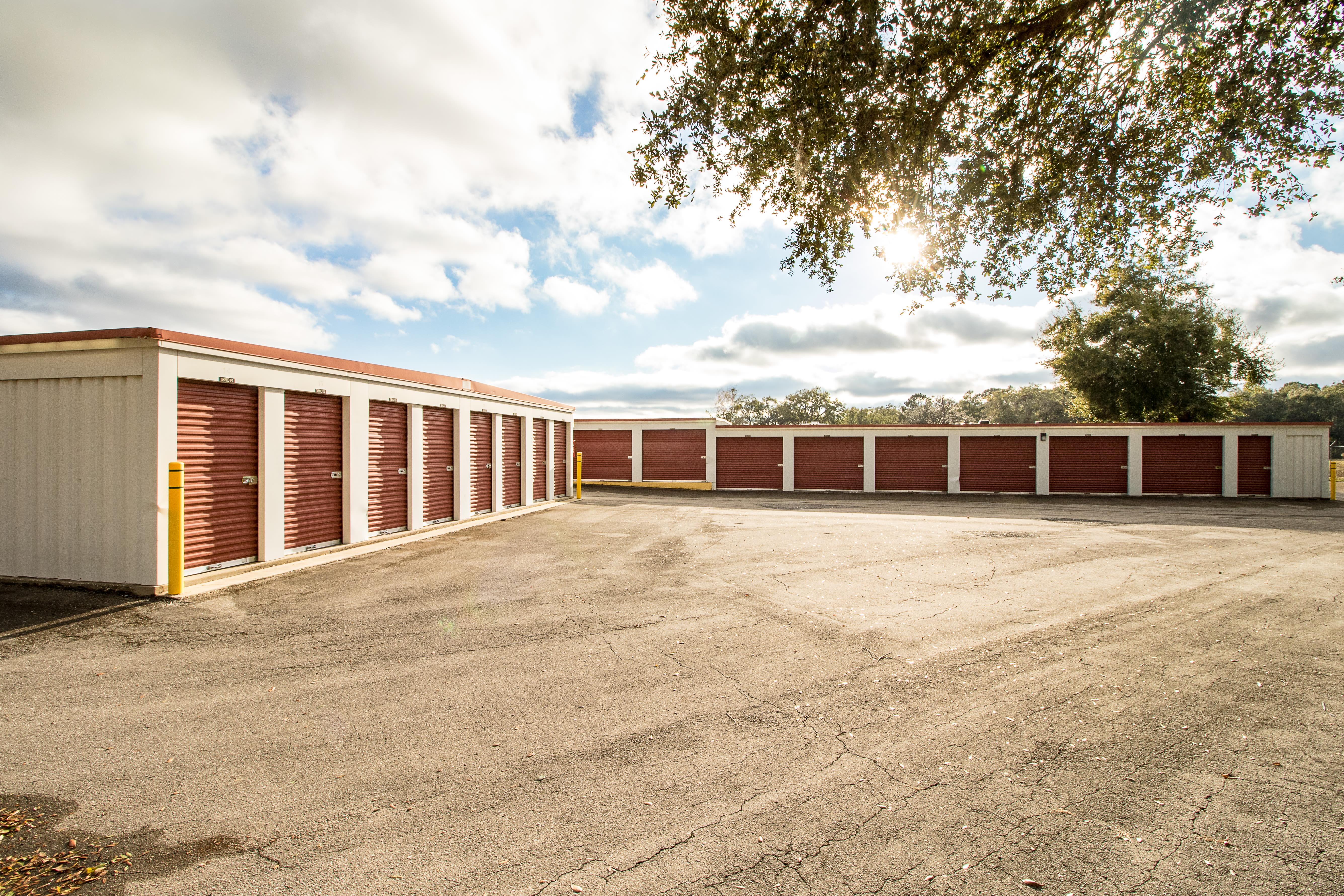Ocala, Florida storage facility exterior storage units