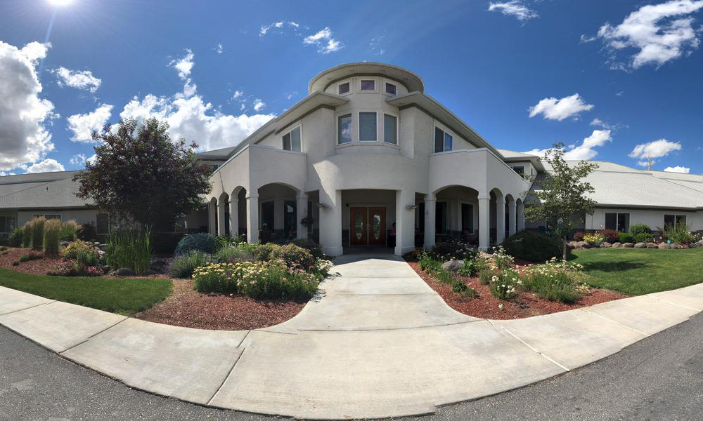 Exterior of Meadow View Assisted Living and Memory Care