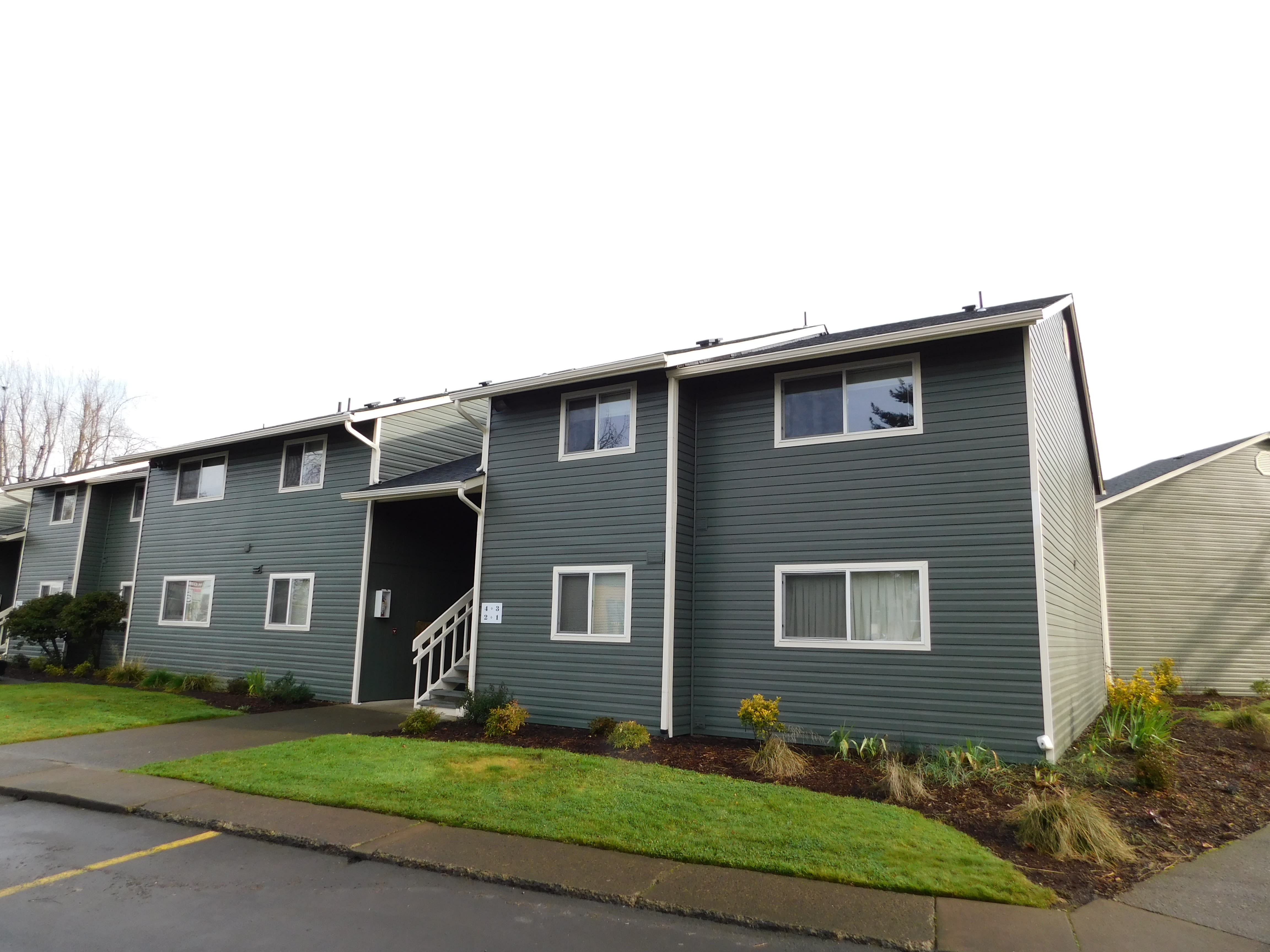 Exterior view of our apartments at Chalet in Springfield, OR