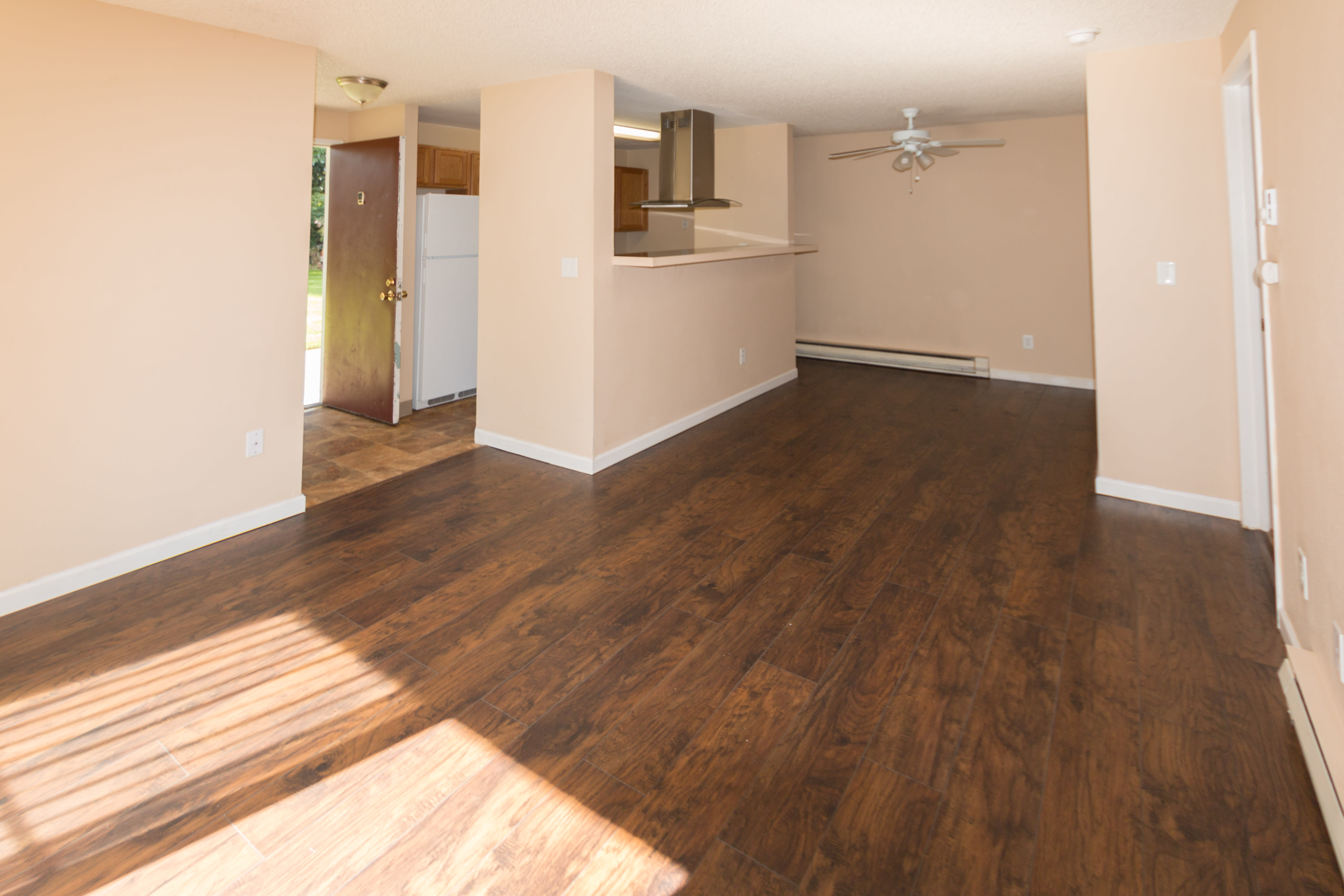 Living room at Oakbrook Apartments in Vancouver, Washington