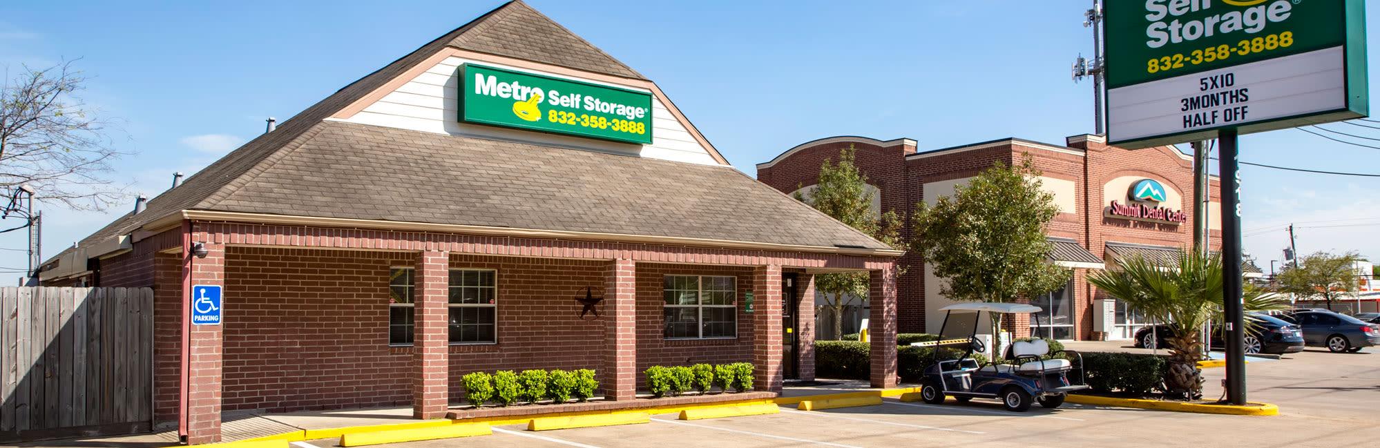 Metro Self Storage in Houston, TX