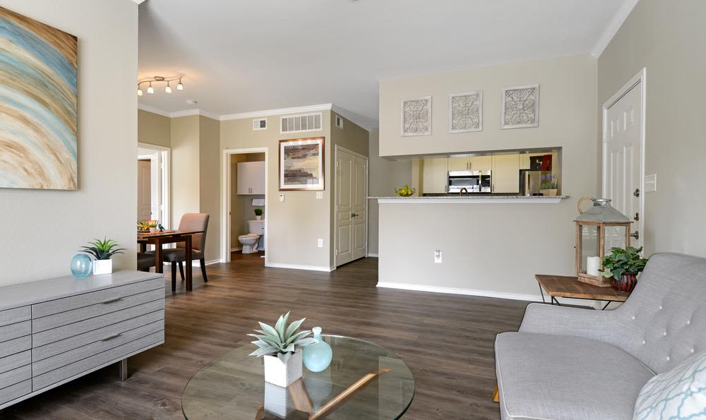 Beautiful living room at apartments in Mansfield