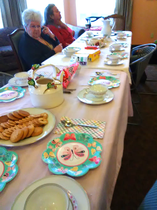 seniors' tea time