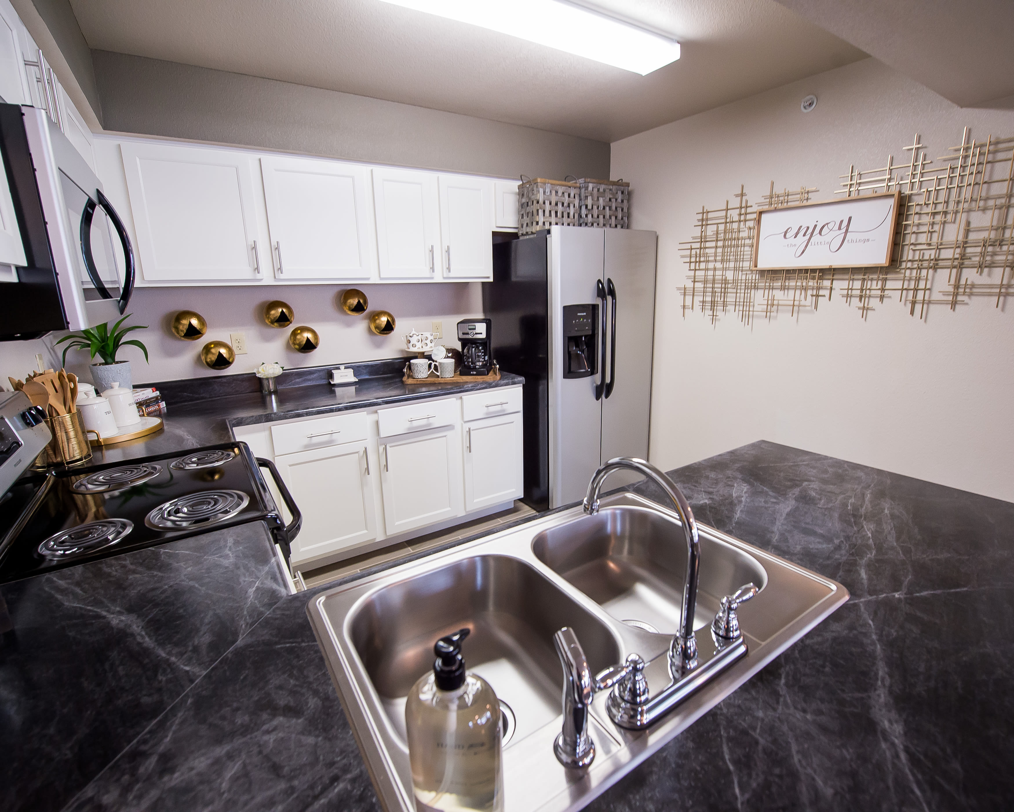 Modern kitchen at apartments in Temple, Texas
