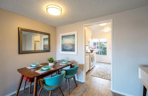 Luxury living room at Sofi Thousand Oaks in Thousand Oaks, CA