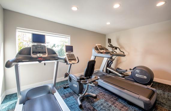 Modern fitness center at Sofi Thousand Oaks in Thousand Oaks, CA