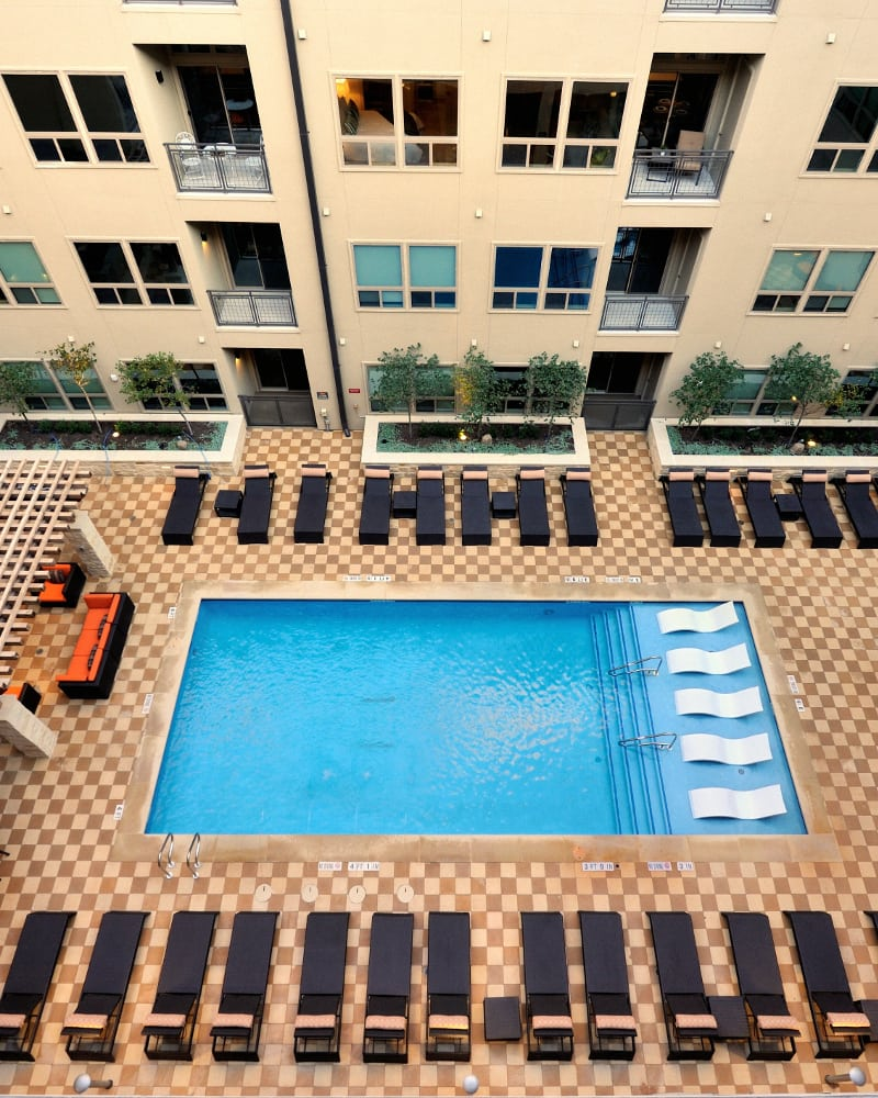 422 At The Lake has a dazzling rooftop pool.