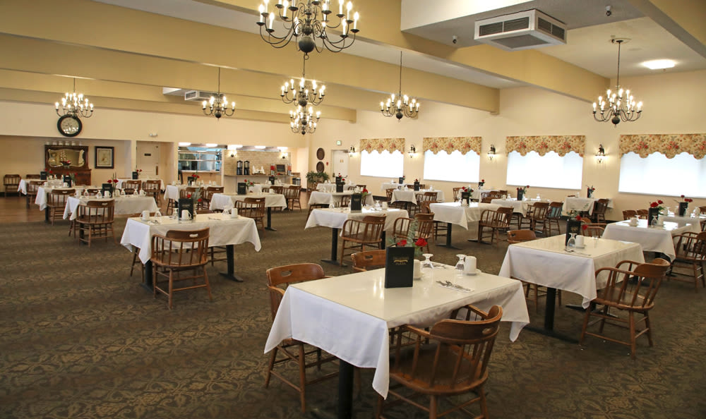 Dining Room At Senior Living in Longview