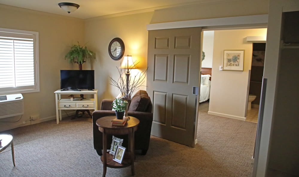 Resident's Living Room At Senior Living in Longview