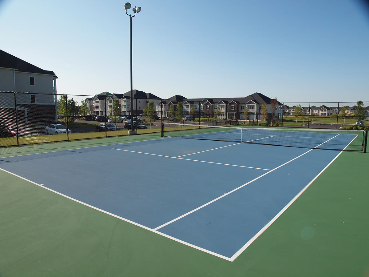 On site tennis courts at Palmera Apartments in Mason, Ohio