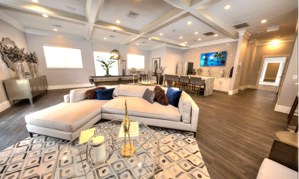 Preston Hollow Apartments showcase an ample living space in Murray