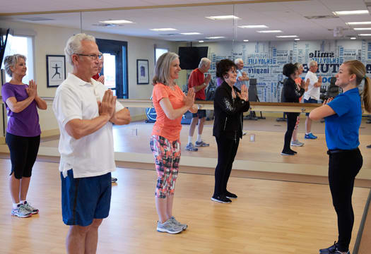 Independent living residents a fitness class at Sagewood at Daybreak