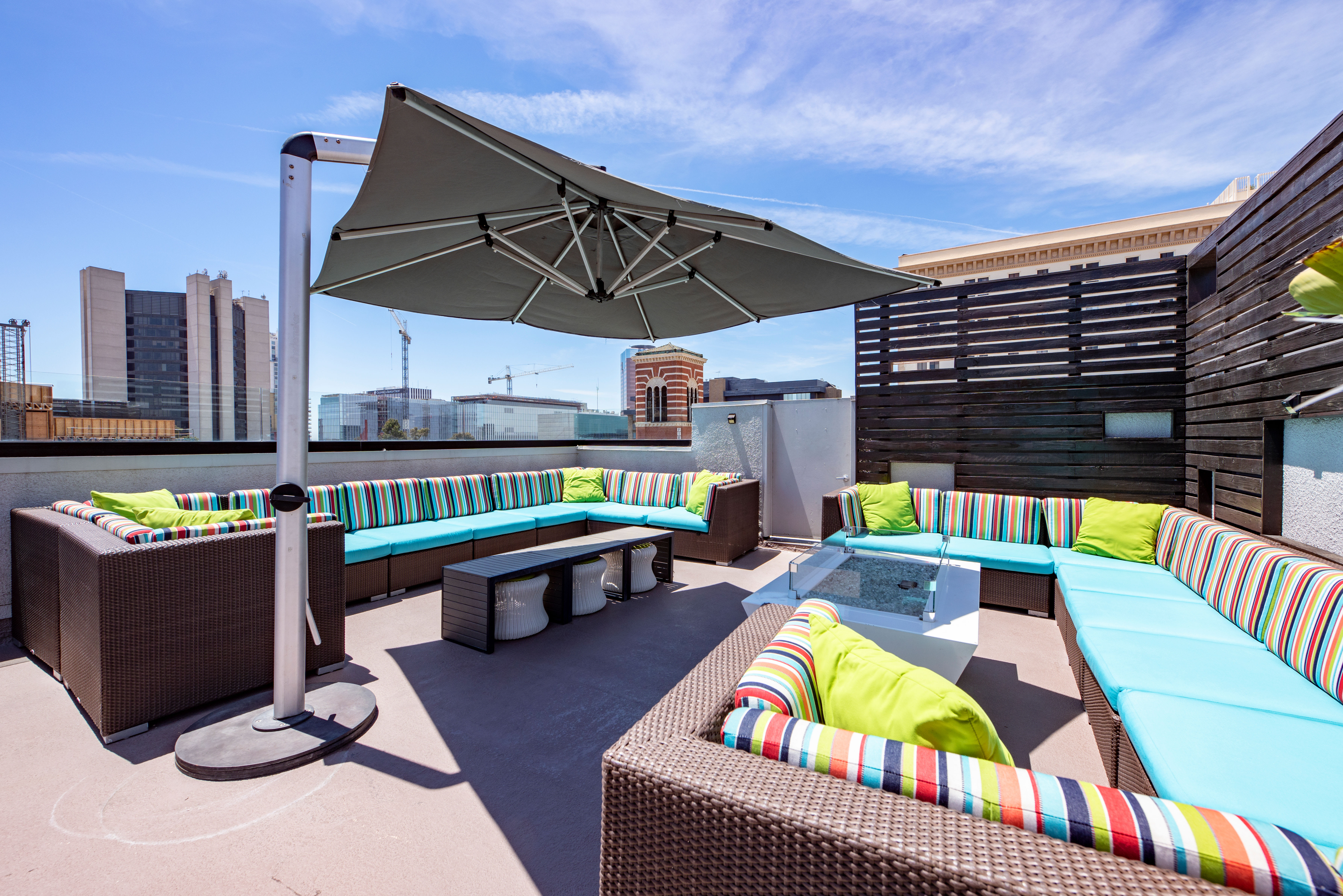 Outdoor Amenities at Sofi at 3rd in Long Beach, CA