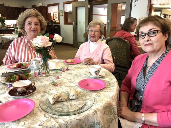seniors Mother's Day Teas at Moran Vista