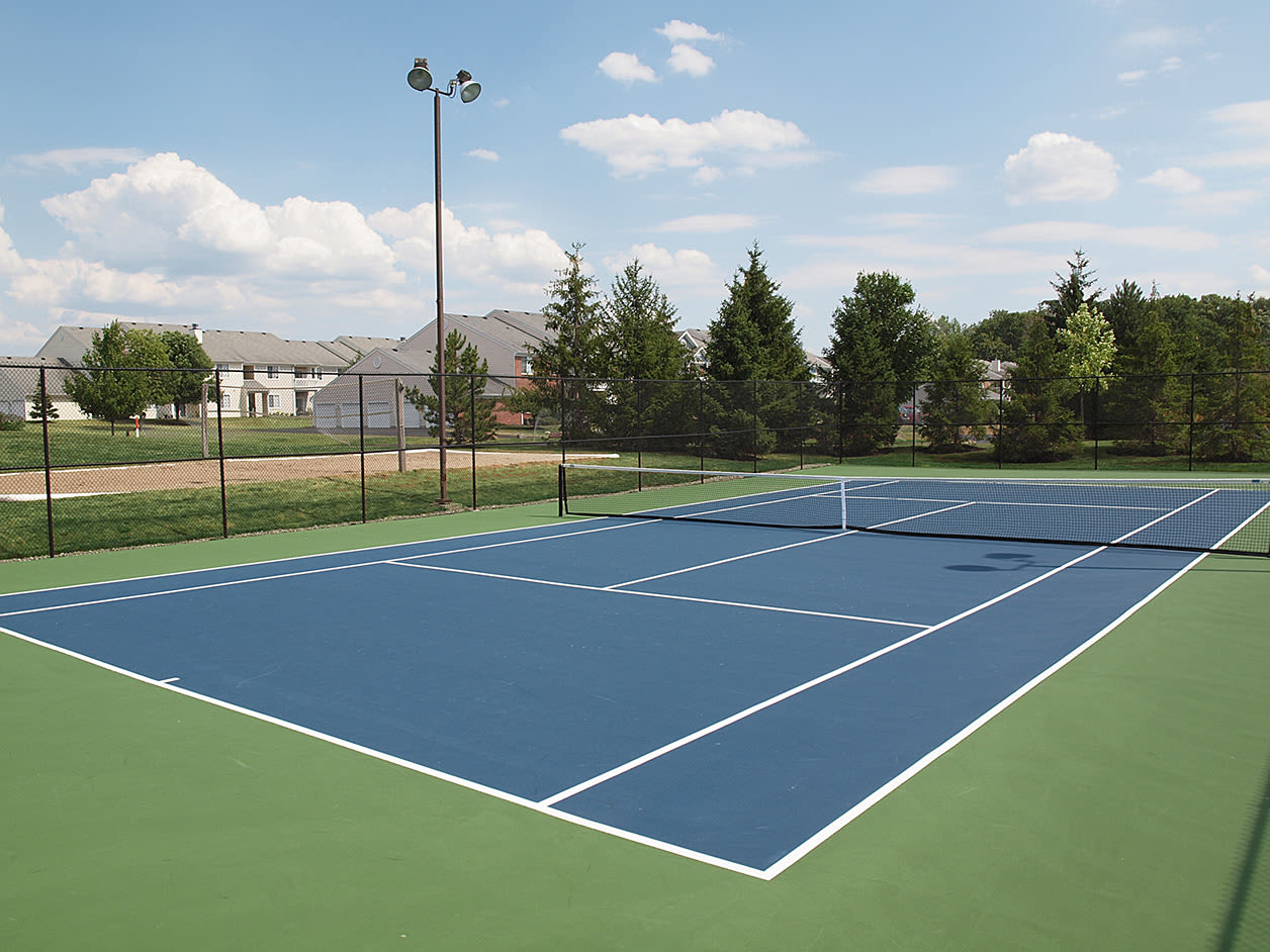 Tennis court at Wellington Place Apartments