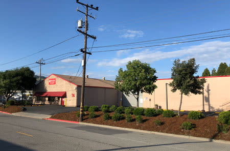 Side view of StorQuest Self Storage in San Rafael