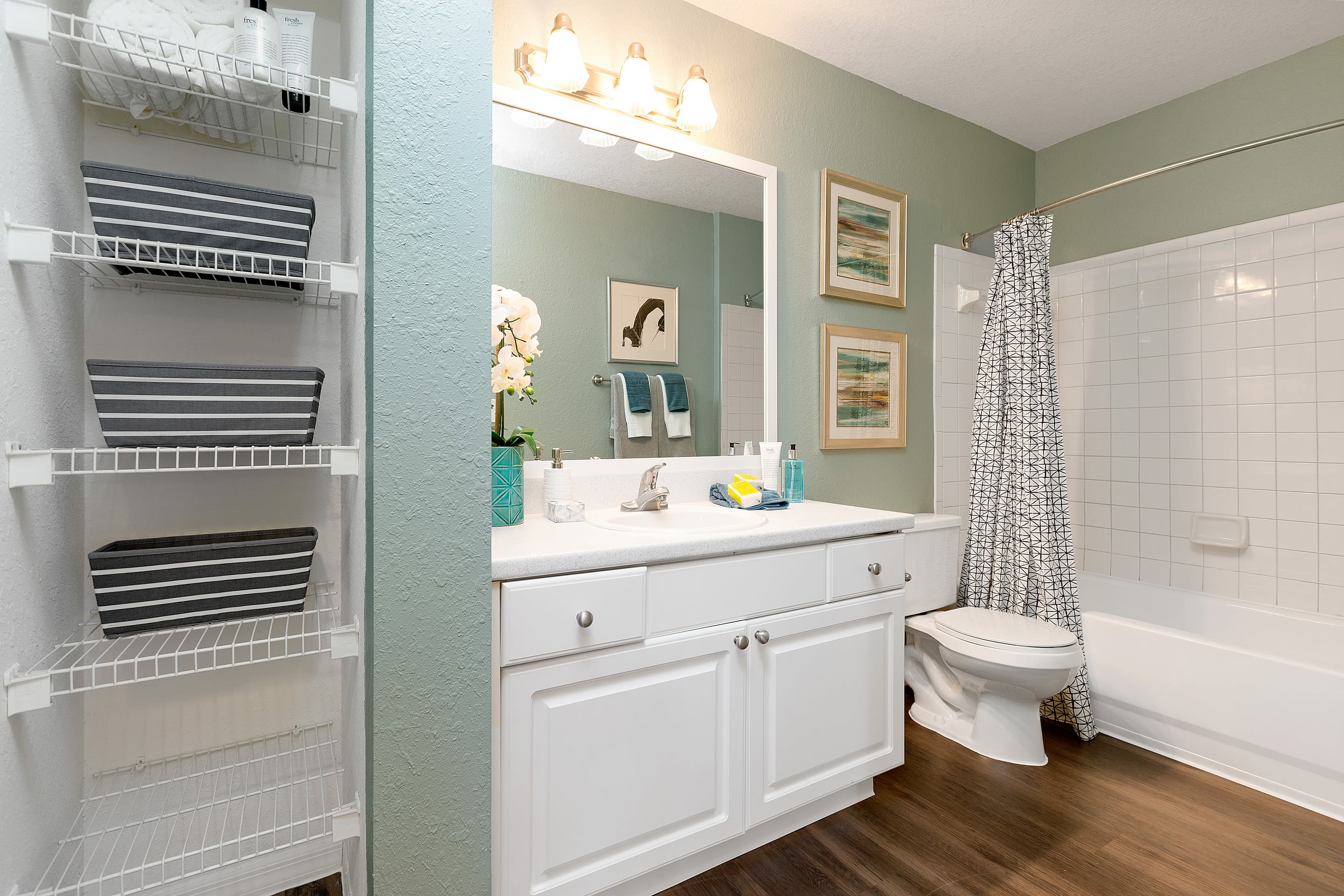 renovated bathrooms at The Avenue in Ocoee