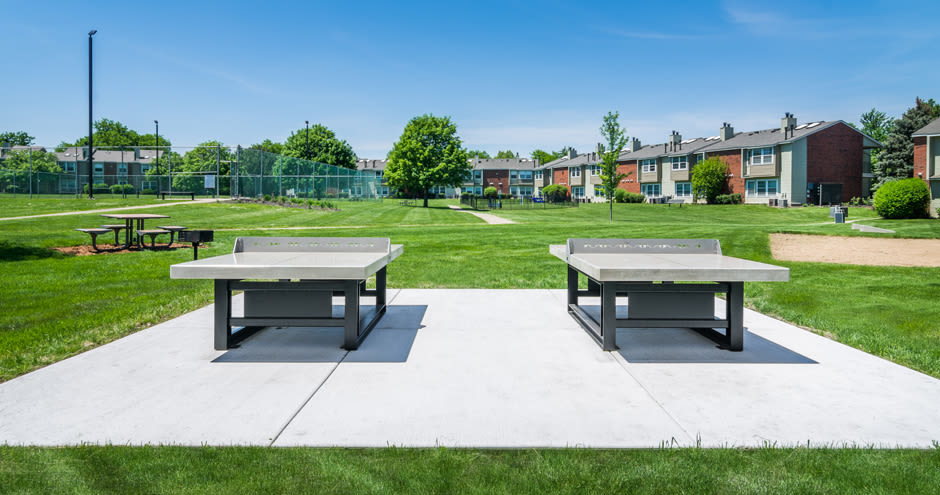Windscape of Naperville Apartments offers outdoor ping pong tables in Naperville, IL