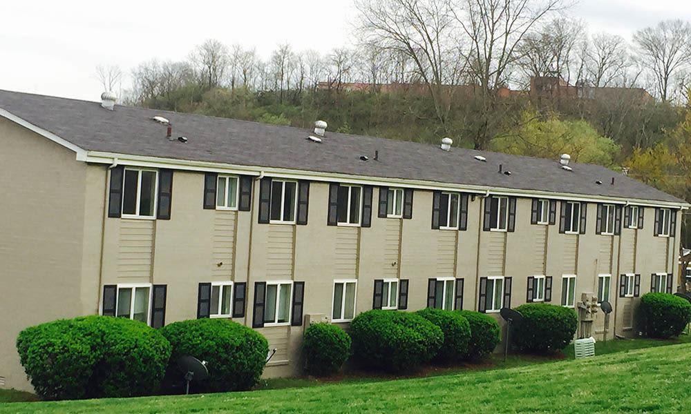 Nashville Apartments have well Landscaped Yards