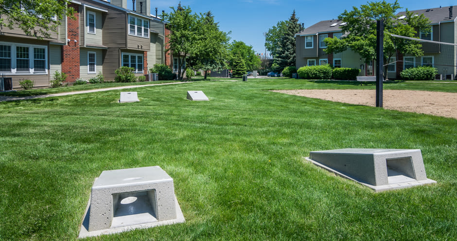 Windscape of Naperville Apartments offers outdoor cornhole in Naperville, IL
